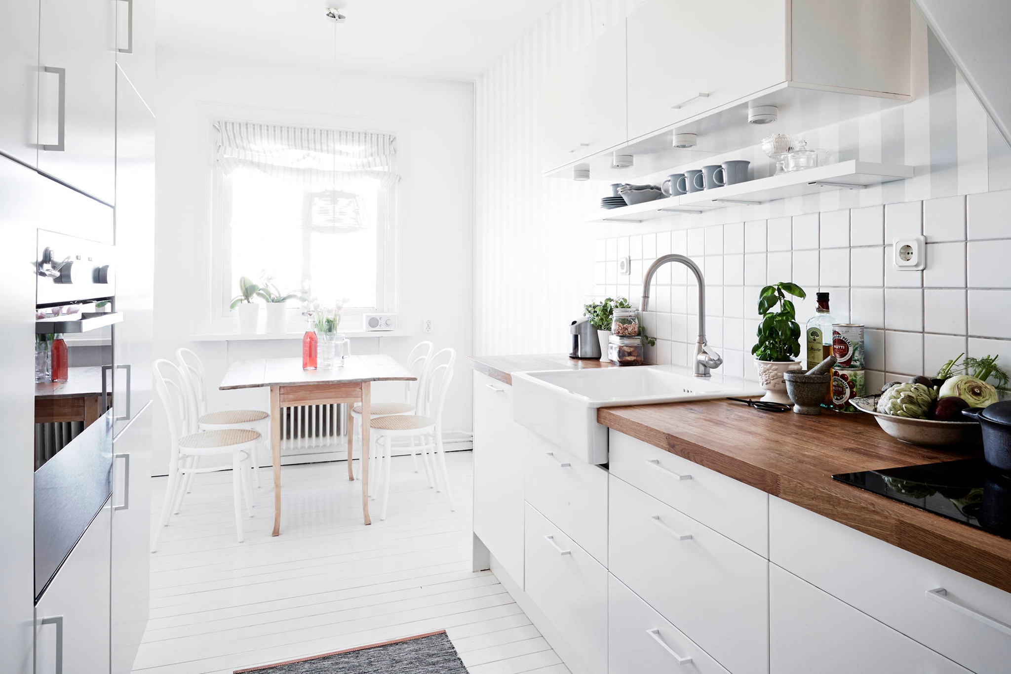 Tips From A Minimalist: How To Declutter Your Kitchen